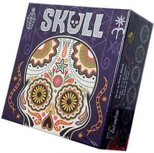 Skull Silver est un petit jeu de bluff au thème original.